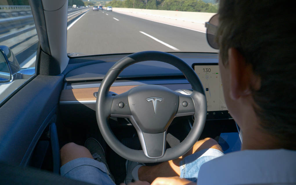 Self-Driving TESLA Road Trips From San Francisco to LA